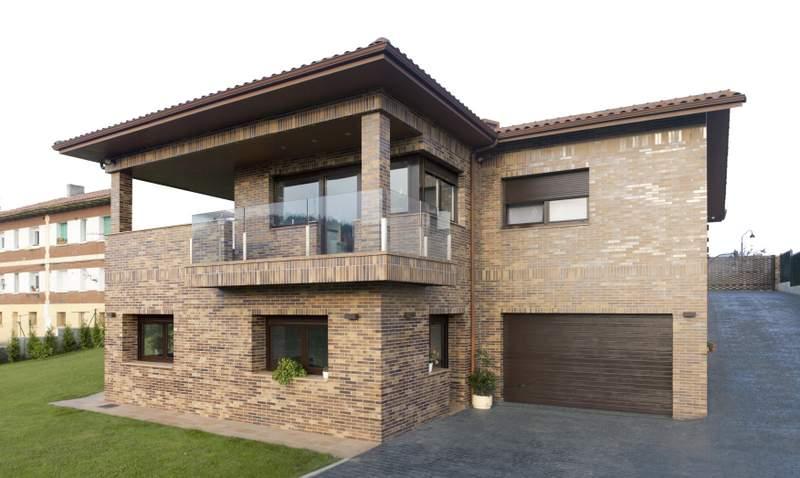 vivienda unifamiliar iii piedras blancas contrucciones On fachadas de viviendas unifamiliares
